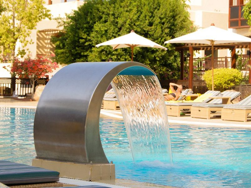 Electromechanical construction for pools