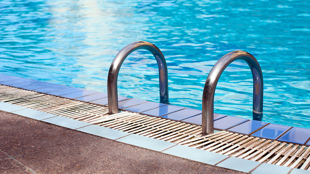 Construction of Swimming Pools for Commercial Companies and Hotels