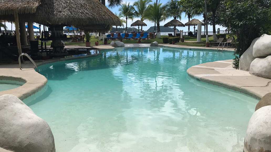 Pool remodeling in Potrero beach, Guanacaste